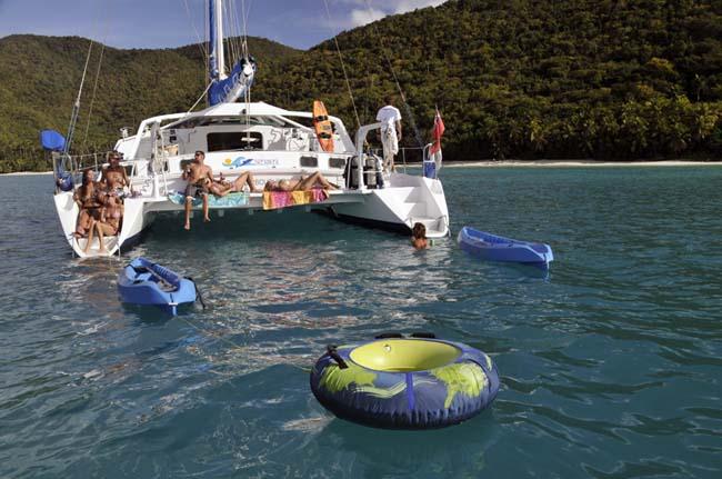 BREANKER Yacht Charter Catamaran Ritzy Charters