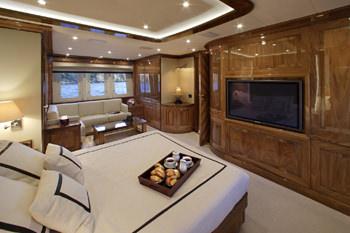 DRAGON yacht image # 6