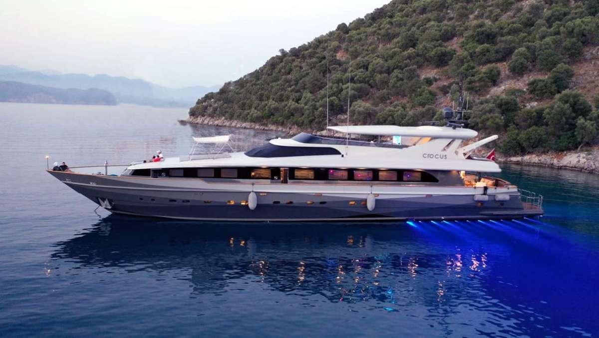 CROCUS yacht main image
