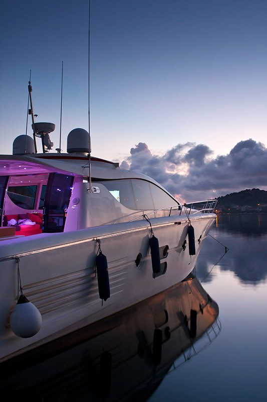 Image of SAURON yacht #9