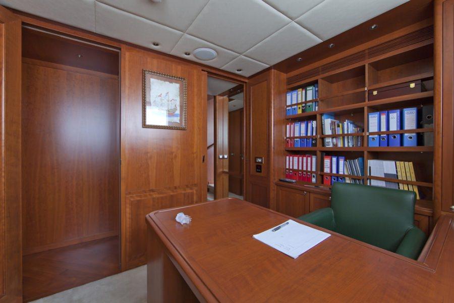 Image of CORNELIA yacht #10