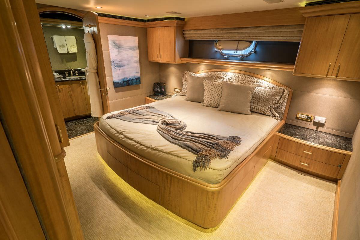 NICOLE EVELYN yacht image # 10