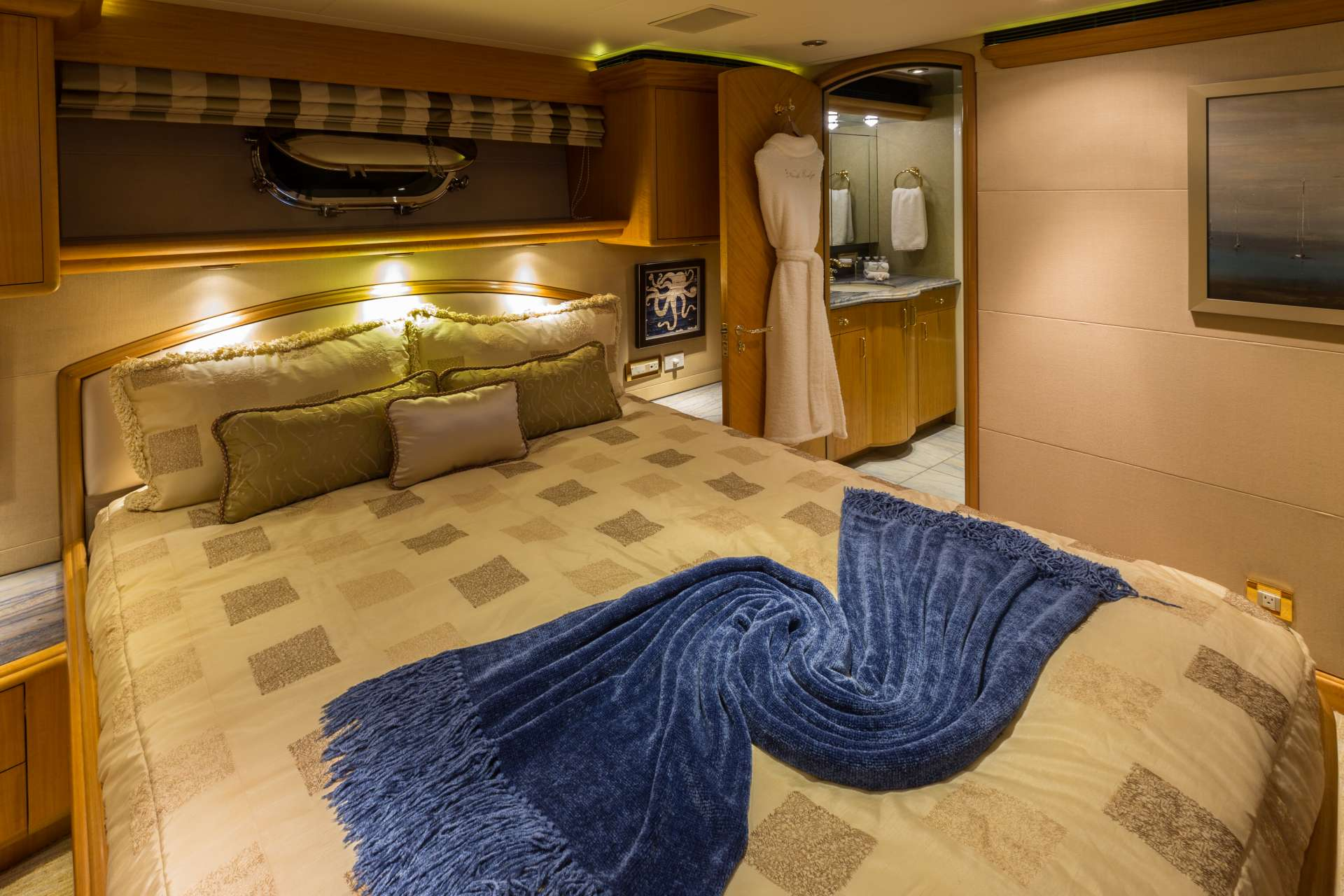 NICOLE EVELYN yacht image # 11