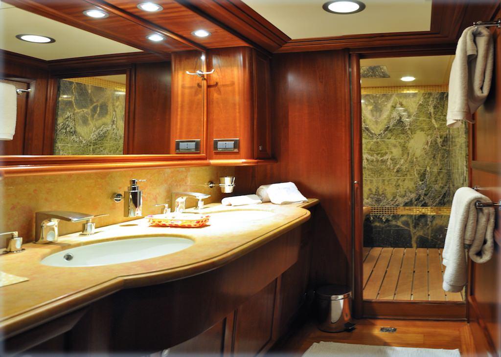 Image of CONQUISTADOR yacht #9