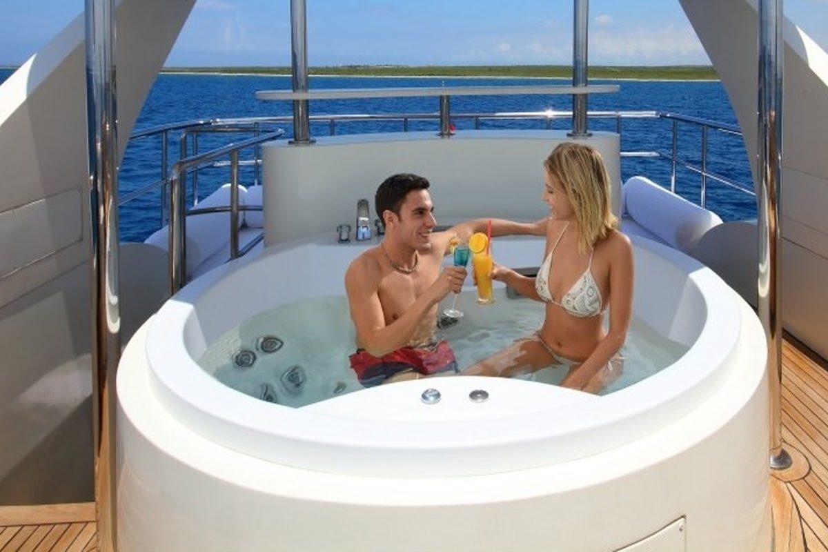 DREAM YACHT yacht image # 4