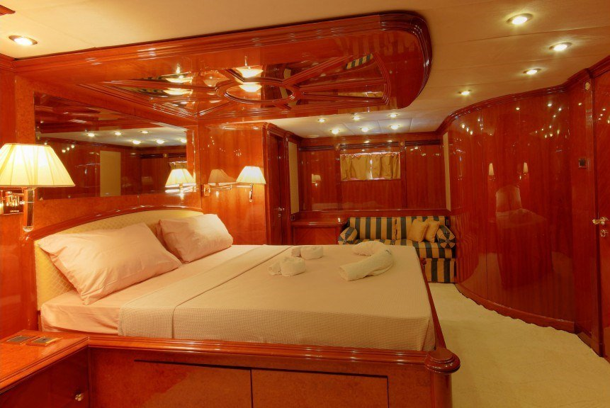 DREAM YACHT yacht image # 7