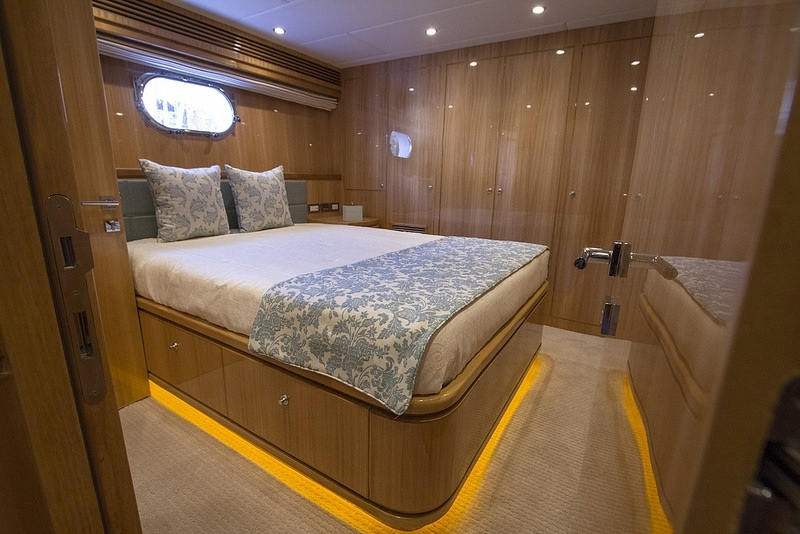 IRRESISTIBLE yacht image # 7