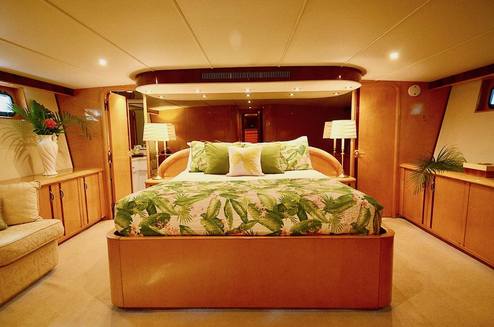 Image of SUITE LIFE yacht #8