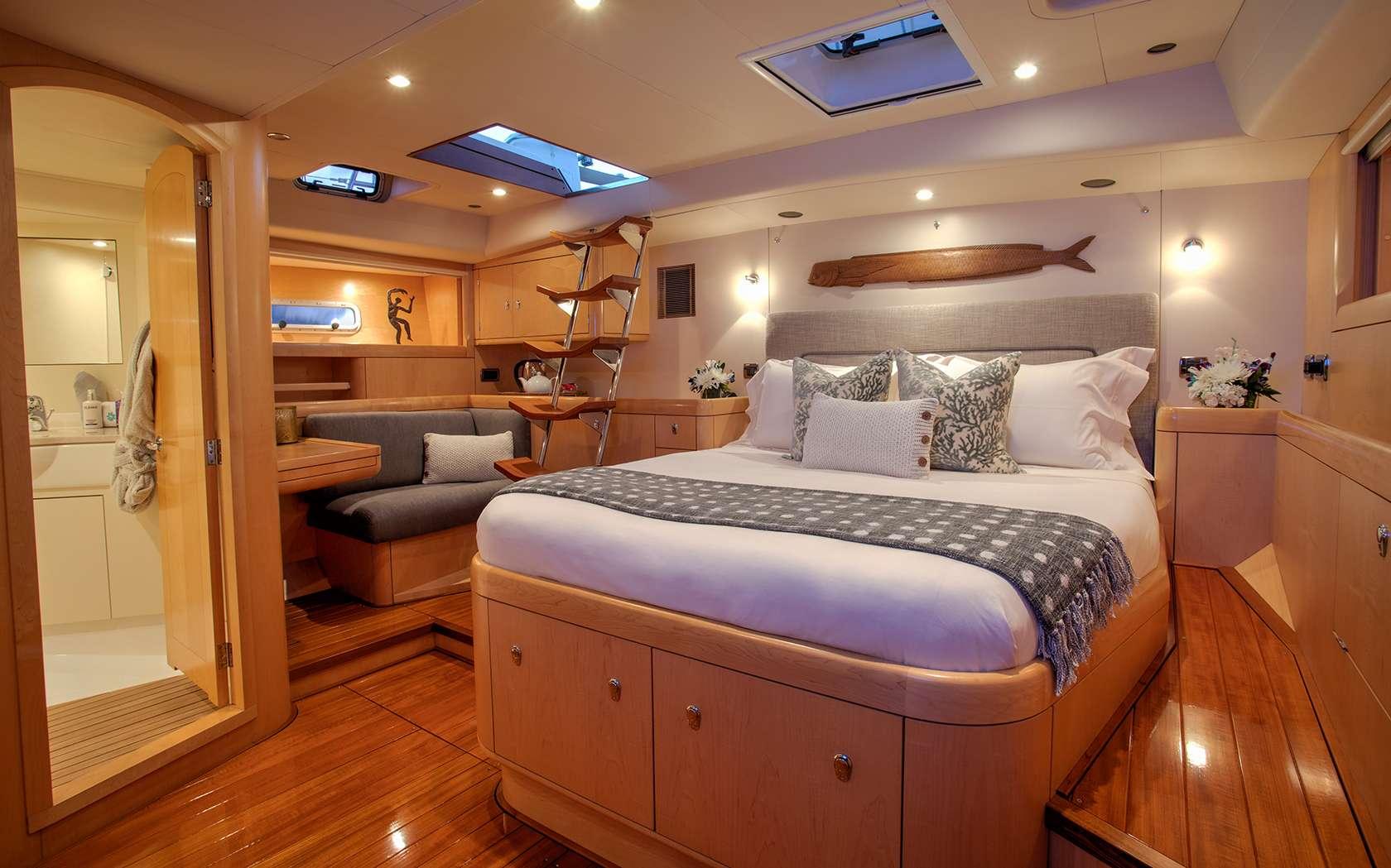 Image of DAMA DE NOCHE yacht #6