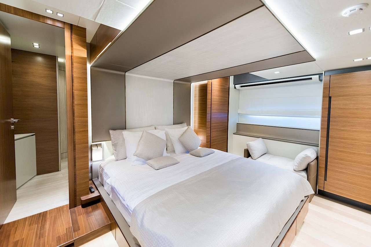Image of LARA yacht #6