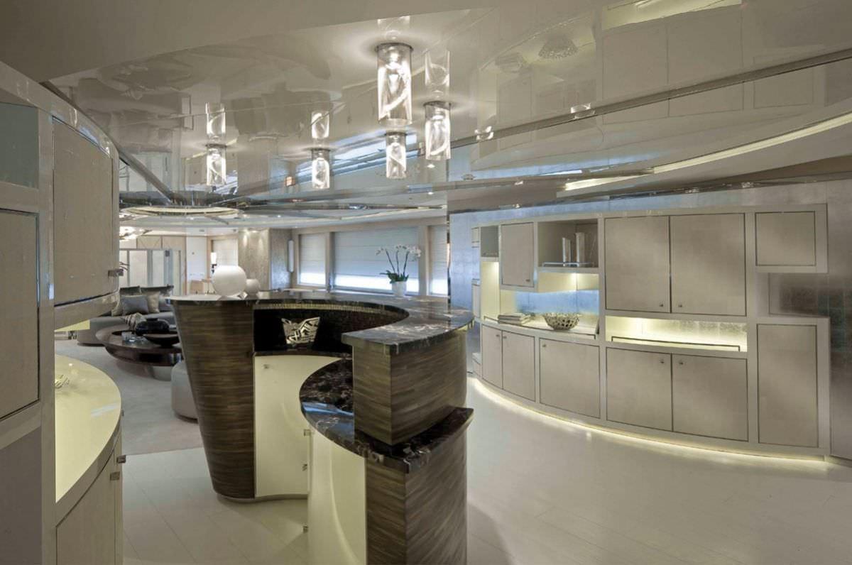 Image of LIGHT HOLIC yacht #3