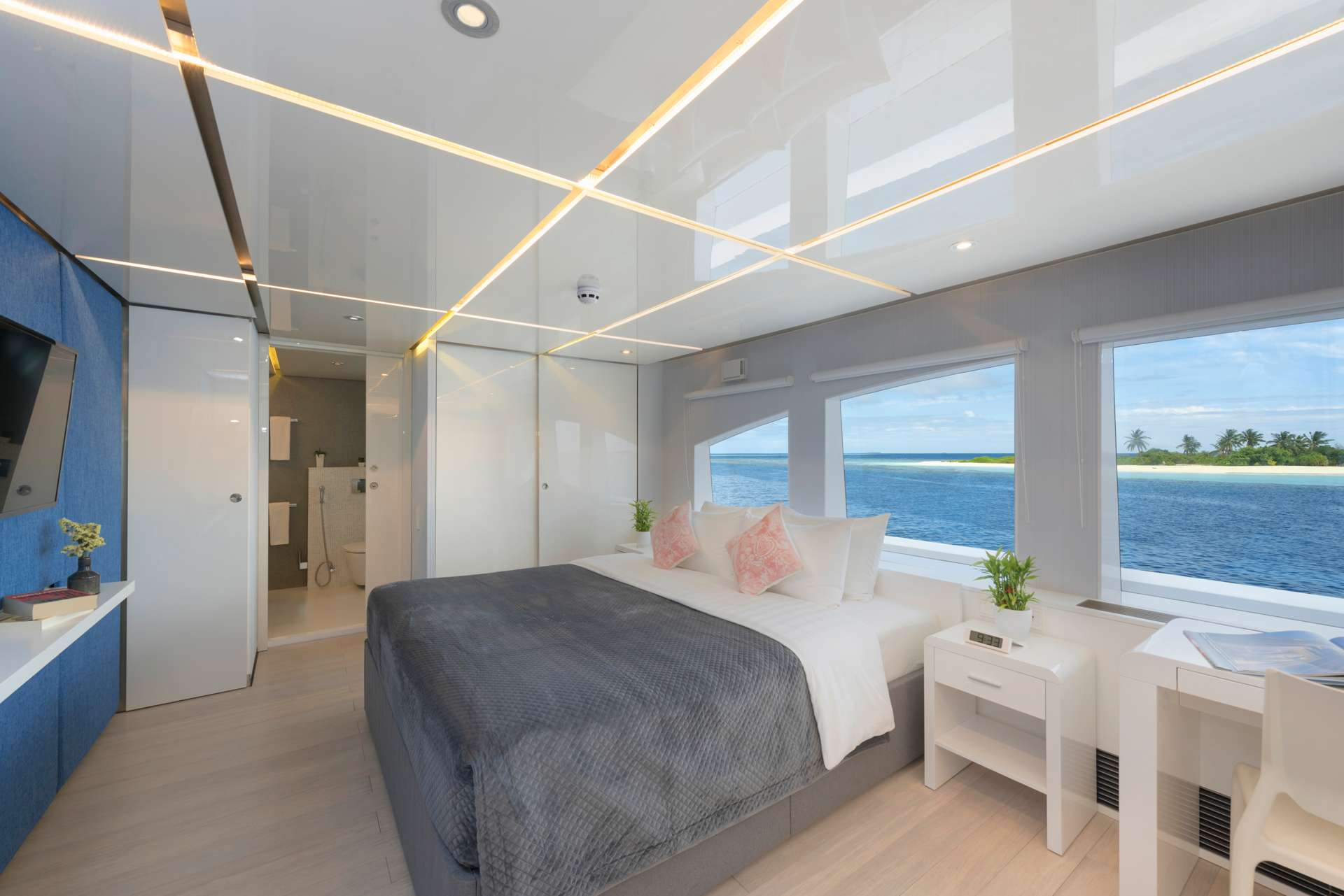 Image of SEAREX yacht #7