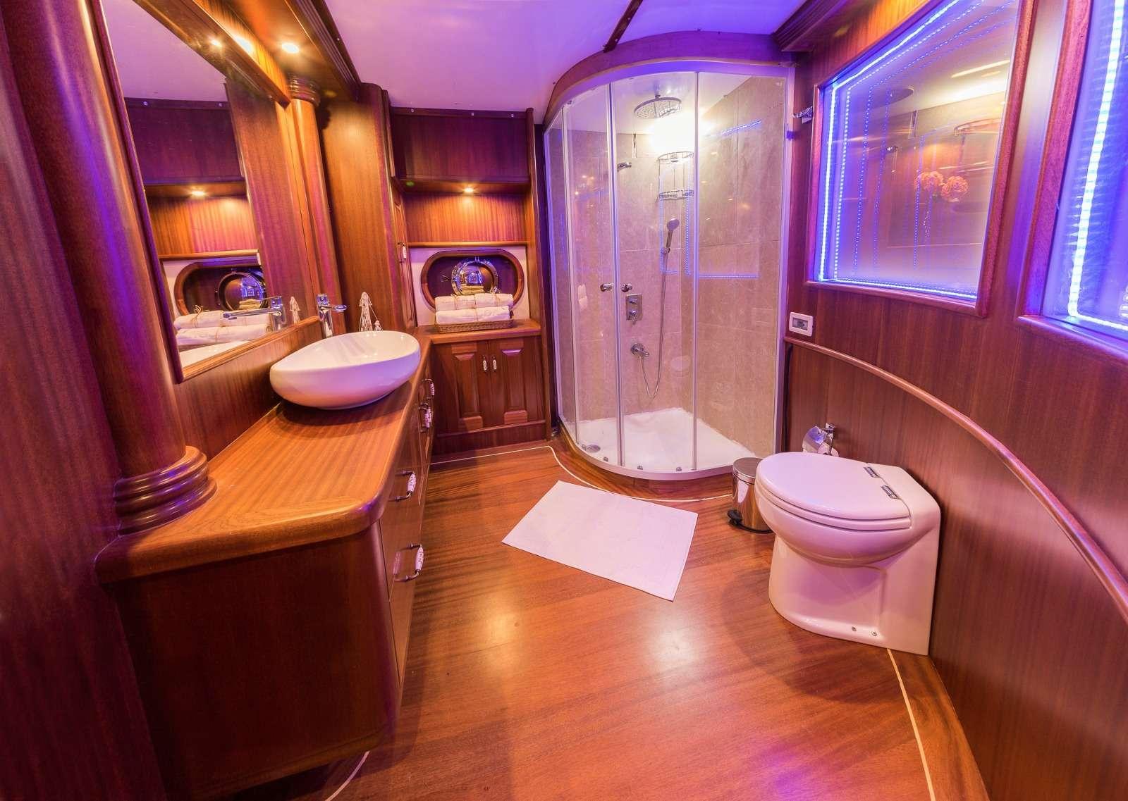 HALCON DEL MAR yacht image # 6