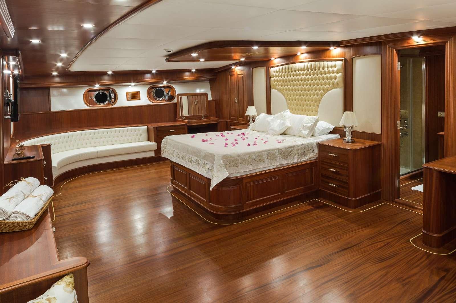 HALCON DEL MAR yacht image # 7