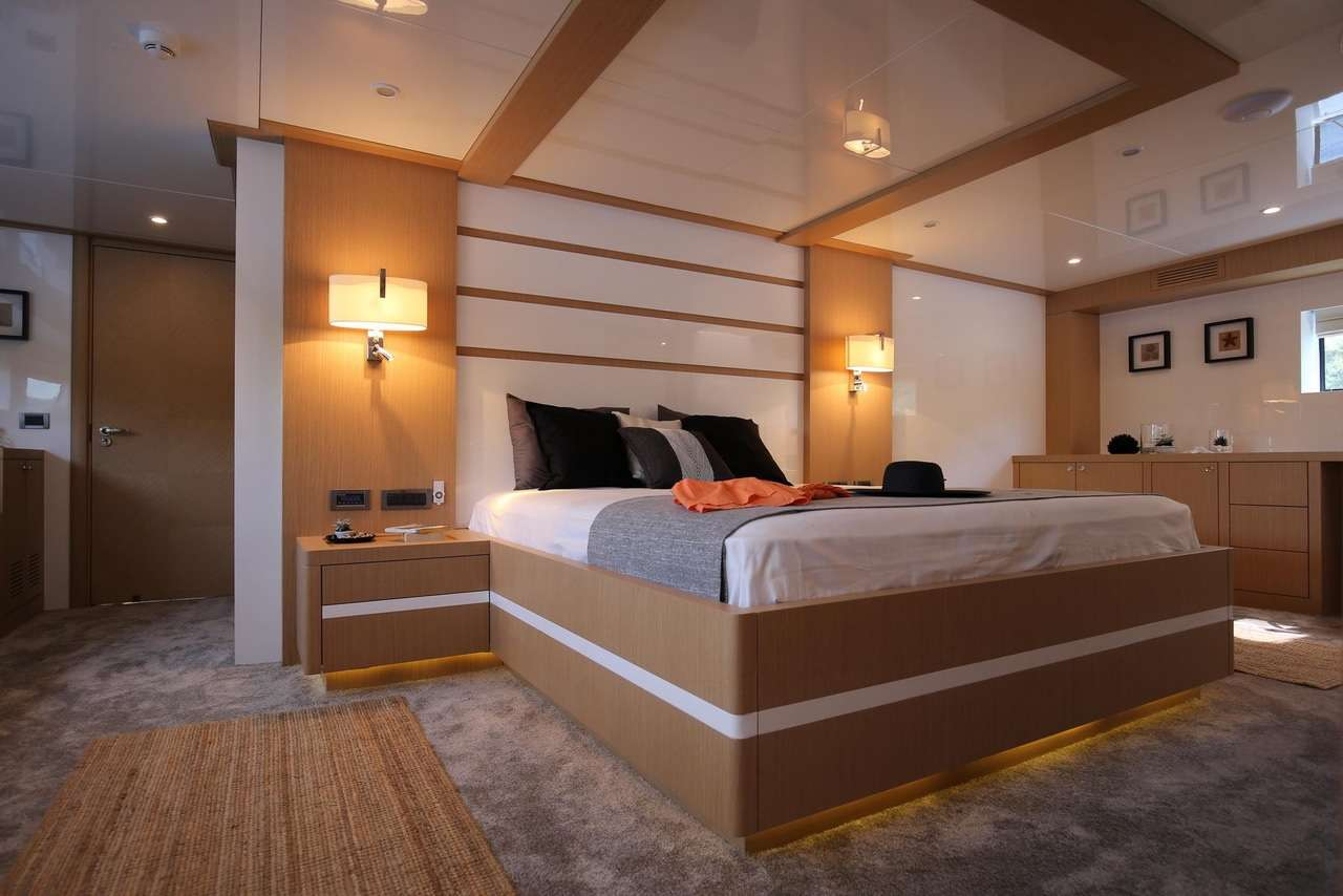 OTTAWA yacht image # 7