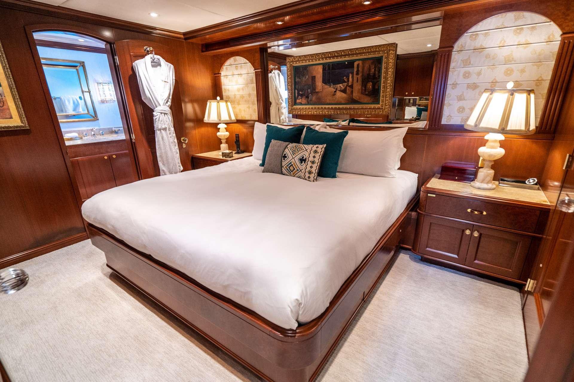 Image of RELENTLESS yacht #10