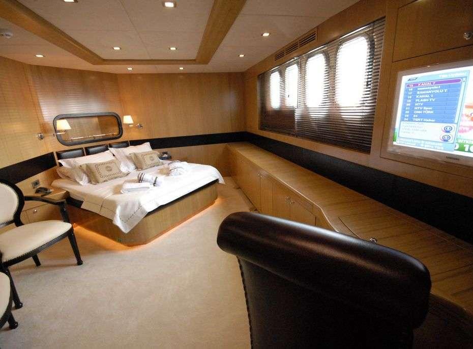 Image of SMYRNA yacht #9