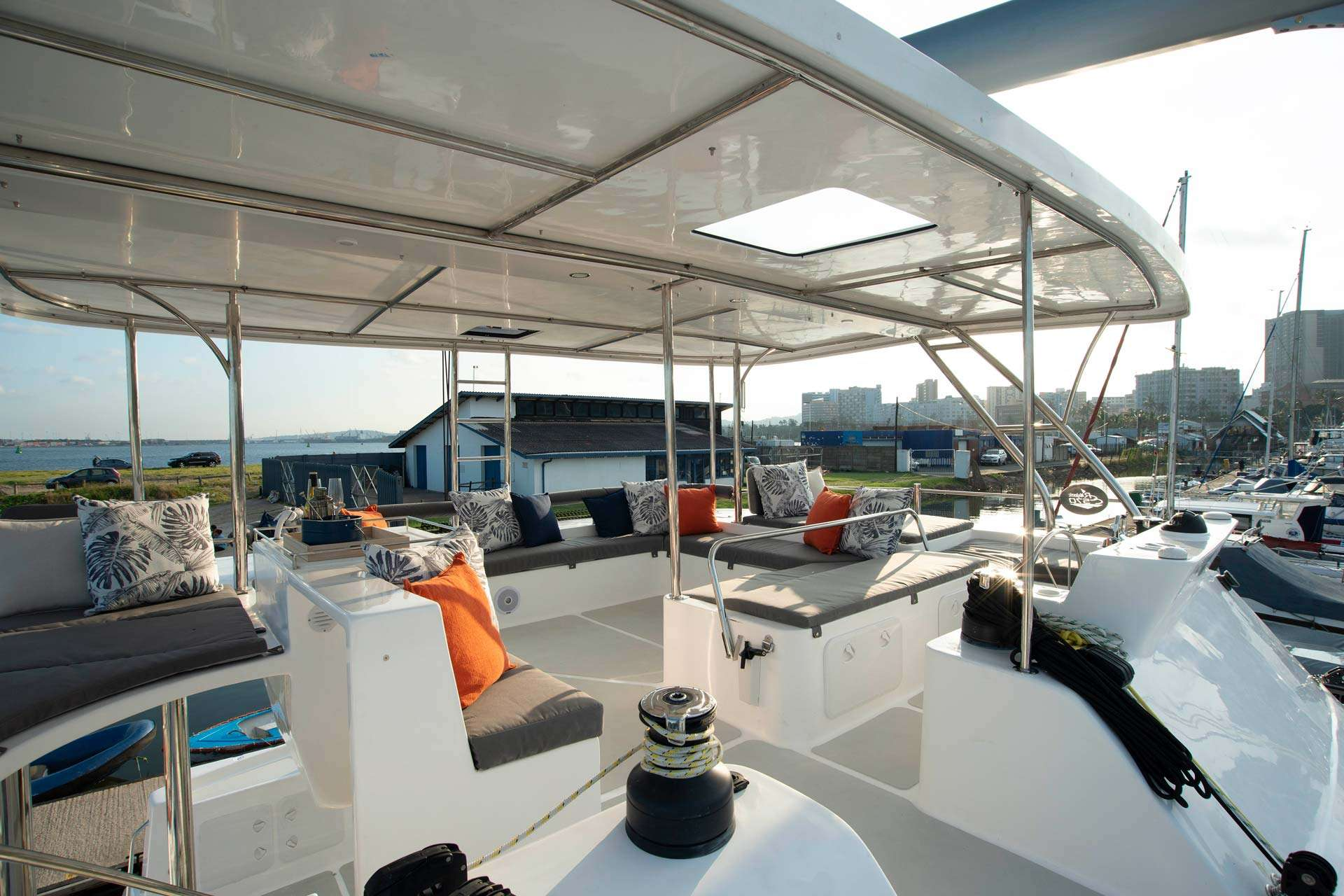Image of BAREFEET RETREAT yacht #12
