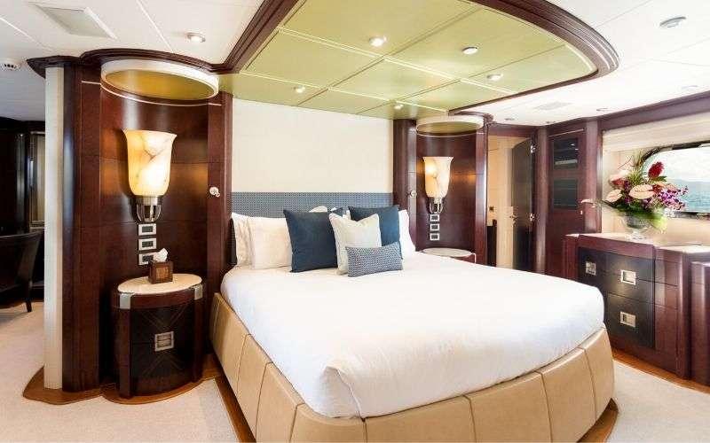 Image of DE LISLE III yacht #6