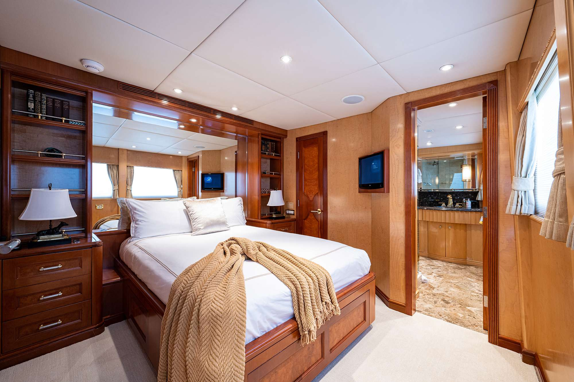HAVEN yacht image # 8