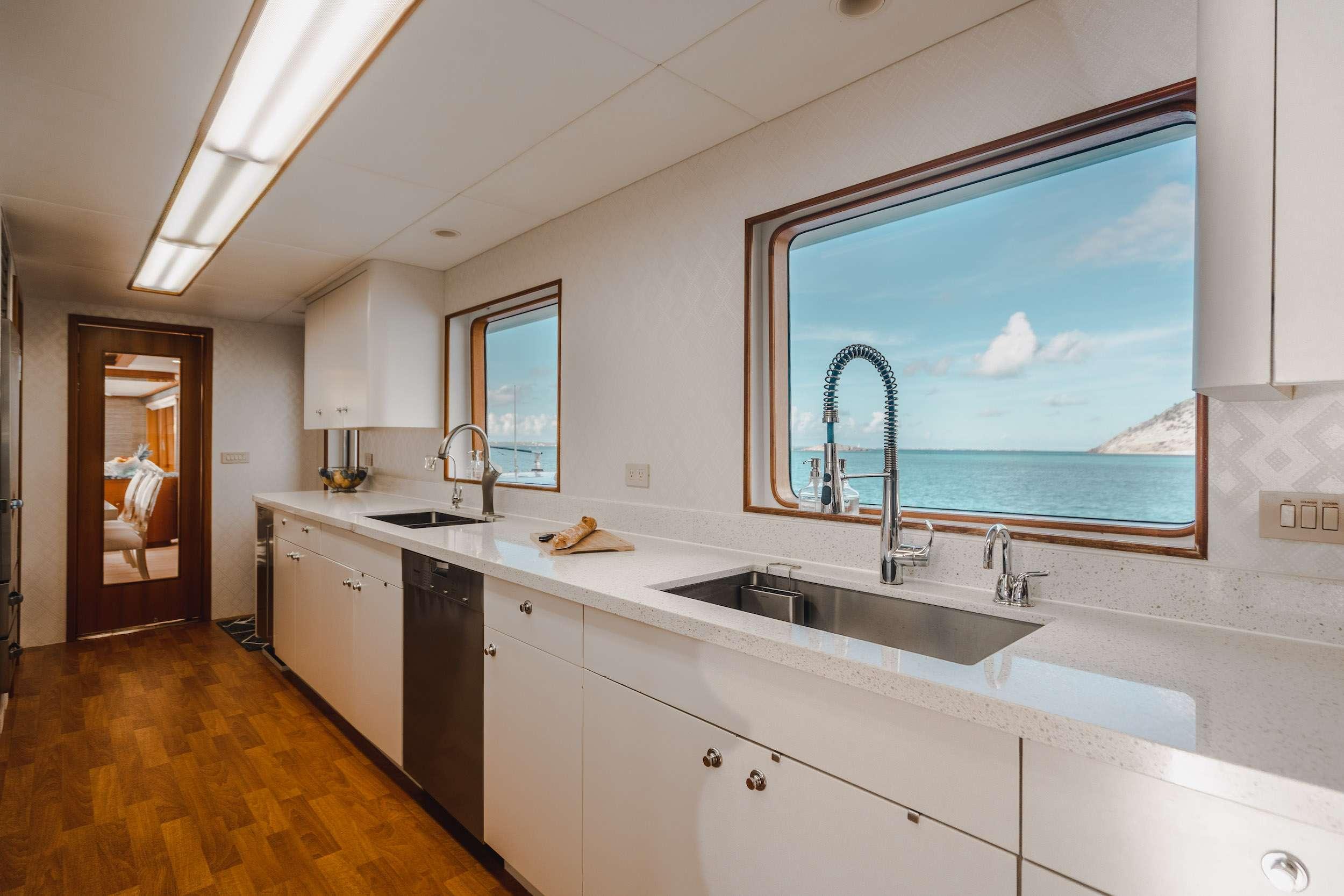 Image of CRESCENDO IV yacht #5