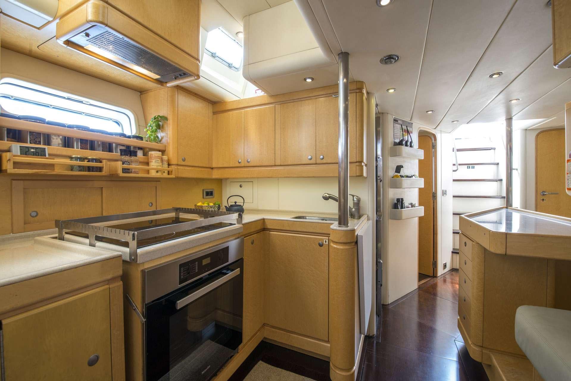 Image of LADY 8 yacht #14