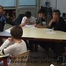 Manuel Balmer accompagné de quatre élèves de 3 du collège lors de la formation «médiateurs».