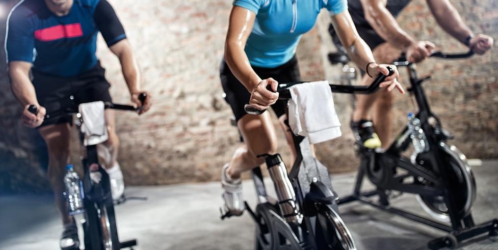 Cycling-CBU-Step-Cbu-Fitness-Centrebuchilien-Gym-Danse-Cardio-Cours collectifs-Training-Vélo-Spinning-