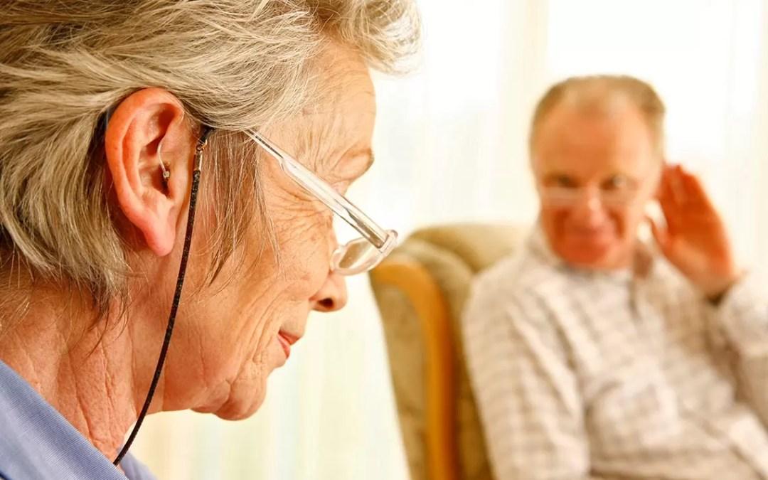La pérdida auditiva: un problema común en adultos mayores