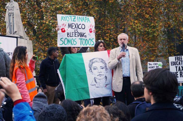 Londres con Ayotzi 3_Corbyn