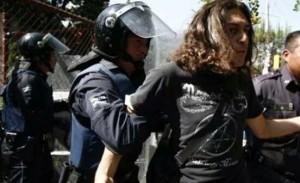 20150119 Represion en Puebla a estudiantes solidarios con Ayotzinapa