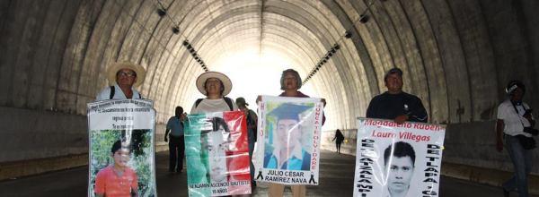 Tlachinollan: El Papa y Ayotzinapa