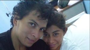 El estudiante normalista de Ayotzinapa Julio César Mondragón y la profesora Marisa Mendoza, su esposa.