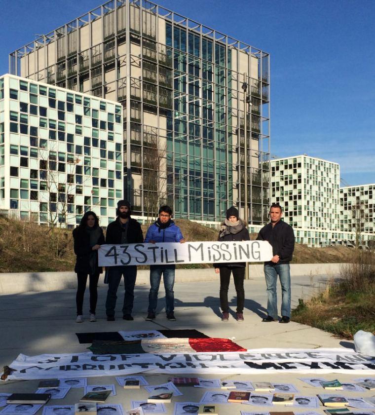 En La Haya por los 43 de Ayotzinapa