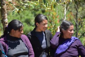 Mujeres desplazadas de Banavil