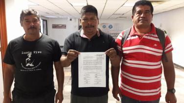 Ayotzinapa en el congreso 3