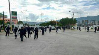 Represion maestros Tuxtla 03