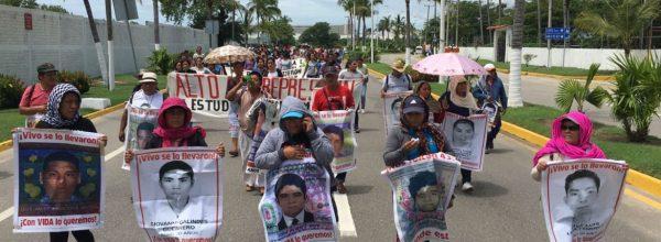 Ayotzinapa: El sismo de nuestra lucha por nuestros 43 hijos