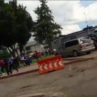 Cruenta represión a balazos contra normalistas de Tiripetío, 74 detenidos