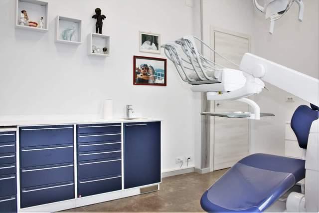 Prestazioni Centro Dentale Parmense | Chirurgia Orale, Conservativa, Protesi, Estetica, Ortodonzia Fissa e Invisibile, Pedodonzia, Radiologia, Implantologia