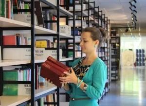 auxiliar archivos bibliotecas y museos de la cam