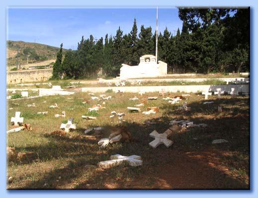 cimitero profanato