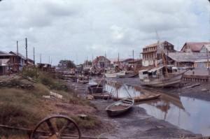 Il porto fluviale della Cayenna