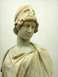 Athena Liebighaus. Copia di età ellenistica dal gruppo di Atena e Marsia di Mirone. Frankfurt, Liebighaus Museum.