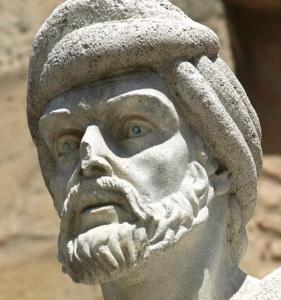 averroe-statua