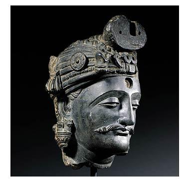 Bodhisattva, arte del Gandhara, II-III secolo. Collezione privata.