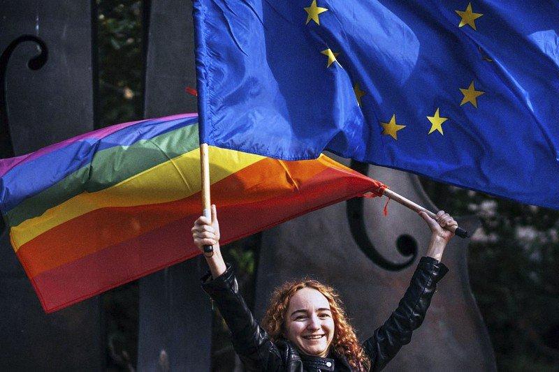 Parlamento UE: offensiva per imporre l'agenda LGBT e abortista