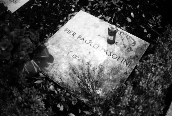 © Giovanna Gammarota, Pier Paolo Pasolini al cimitero di Casarsa, 2008