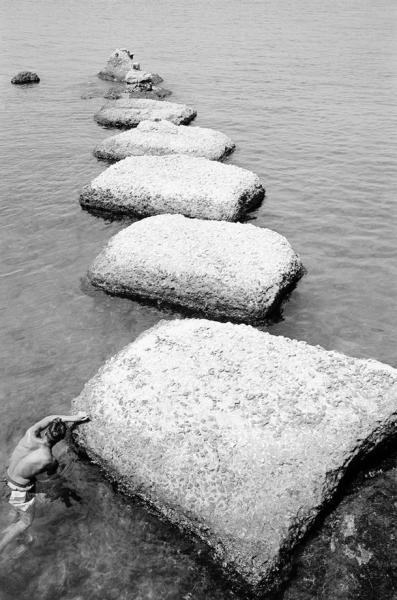 """Una foto di Philippe Séclier per la """"Lunga strada di sabbia"""" di Pasolini"""