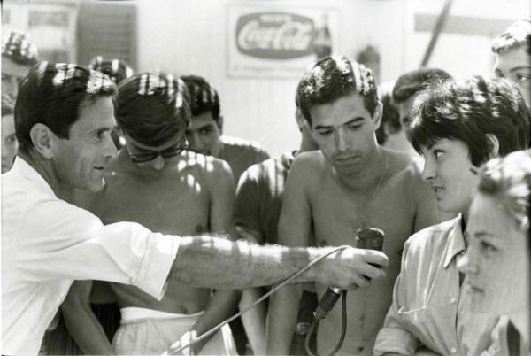 """""""Comizi d'amore"""" (1963). Foto di Mario Dondero"""